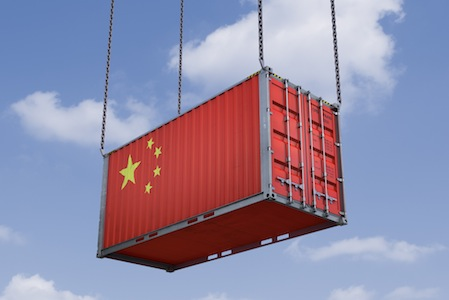 China_Shipping_Container_Flag-rm-Oliver_Cleve-Getty_170403024-450_x_3001.jpg